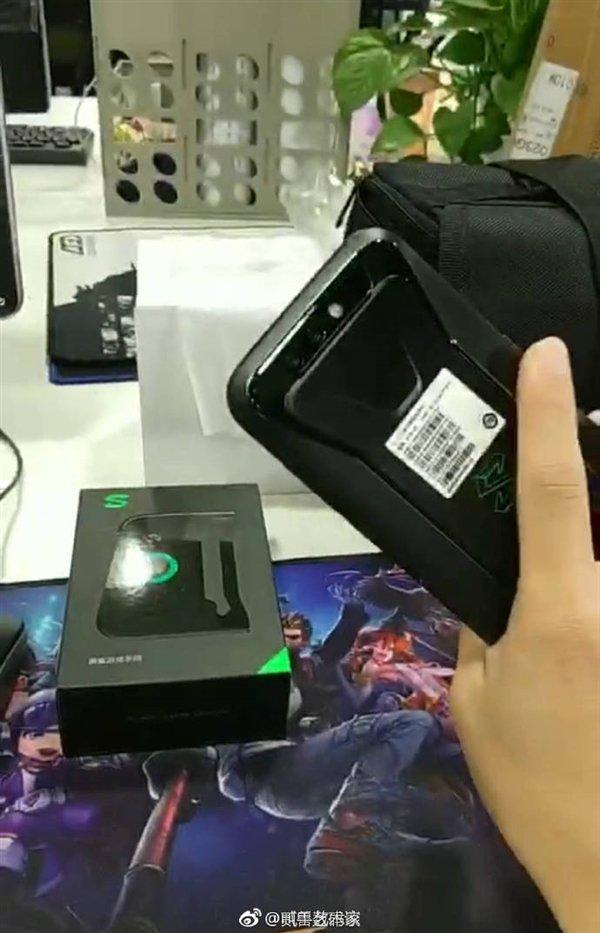 Черный акустический игровой телефон