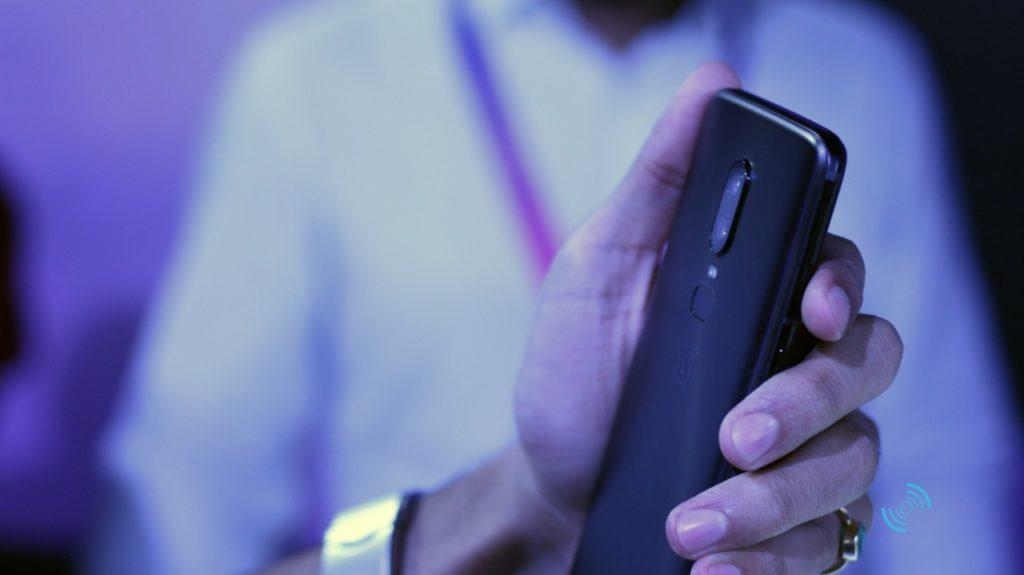 OnePlus 6 Руки на 12