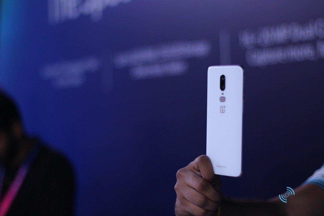 OnePlus 6 Silk White Hands On 05