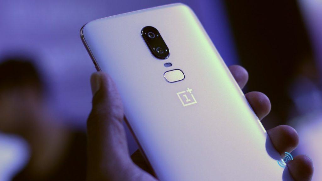 OnePlus 6 Silk White Hands On 10