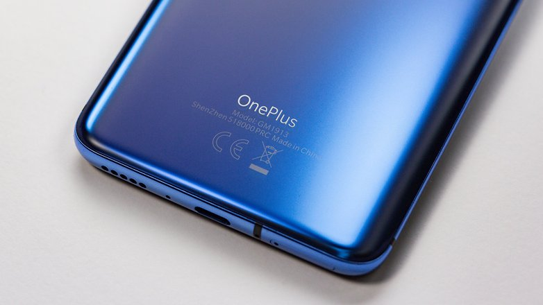 OnePlus 7 OnePlus terug