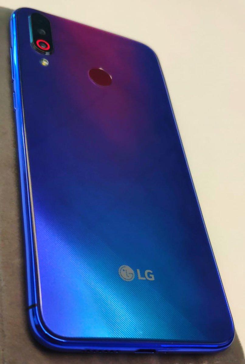 LG W серия живое фото