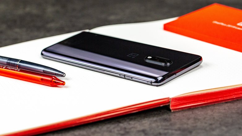 OnePlus 7 обзор кнопок 2