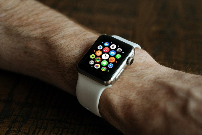 Choosing a smart watch for men: the best deals