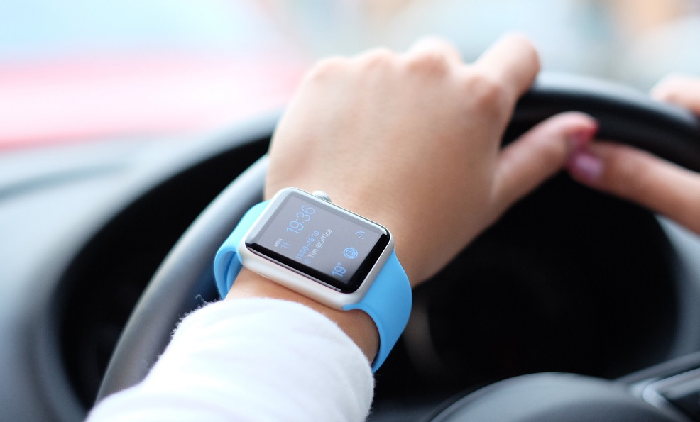 In the future, drivers may be fined for smart watches and bracelets