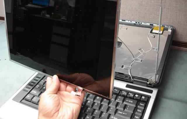 Монтаж новой матрицы ноутбука