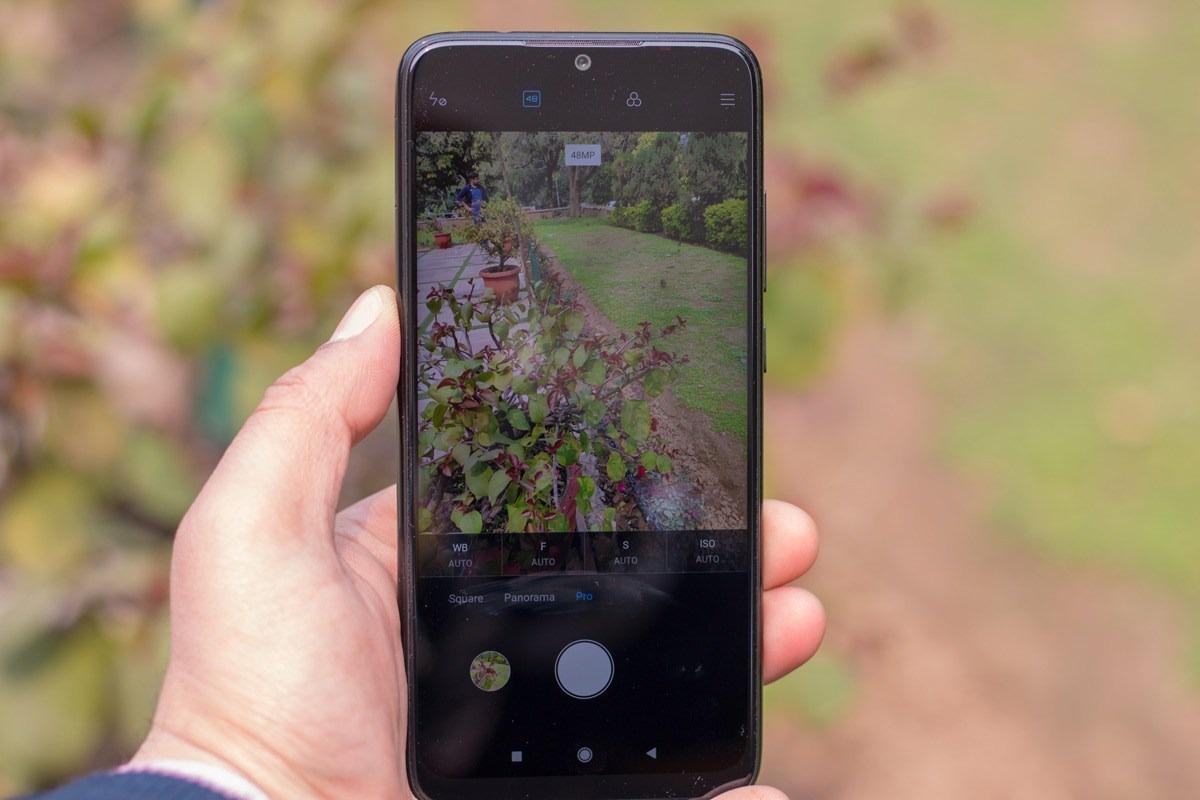 Как перенести фото с фотоаппарата на телефон знаю