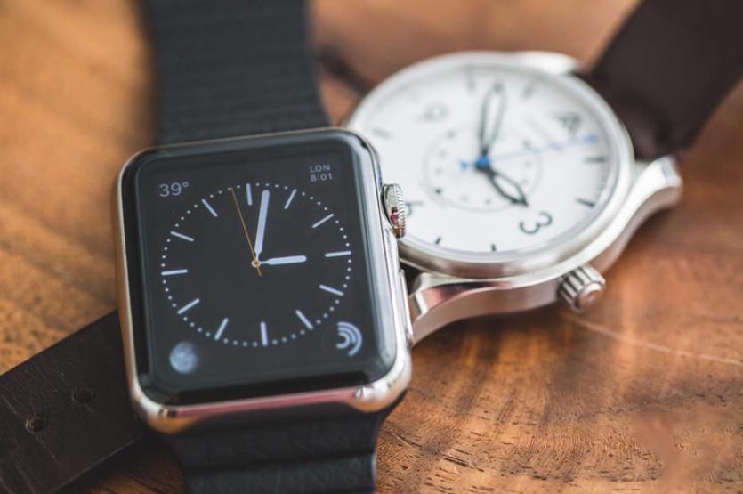 Обычные часы и смарт-вотч