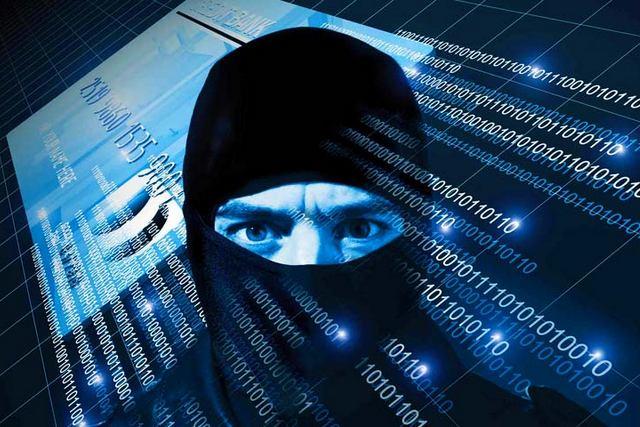 Хакер и банковская карта
