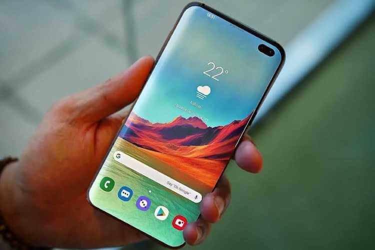 Smartphone in de hand