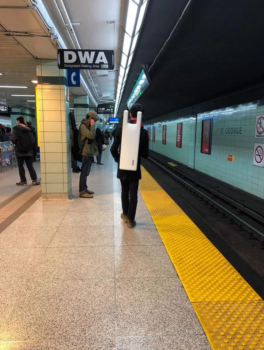 Мужчина в метрополитене