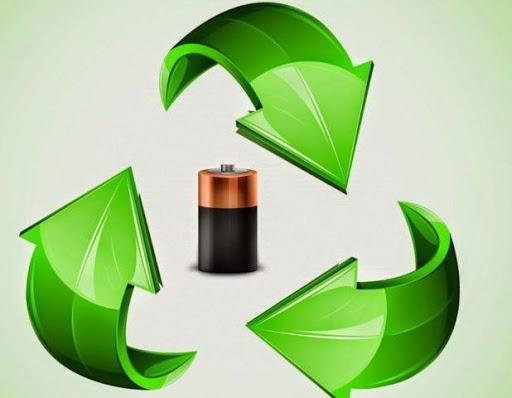 Батарейка и зеленые стрелки треугольником вокруг нее