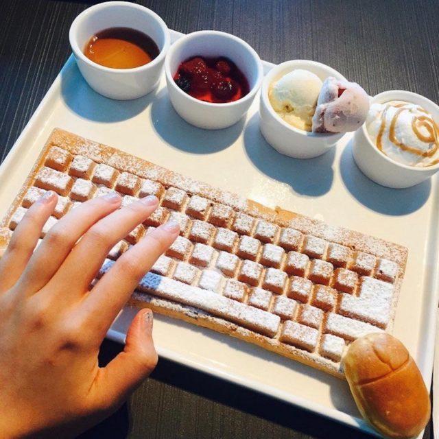 Вафли в виде клавиатуры с различными добавками
