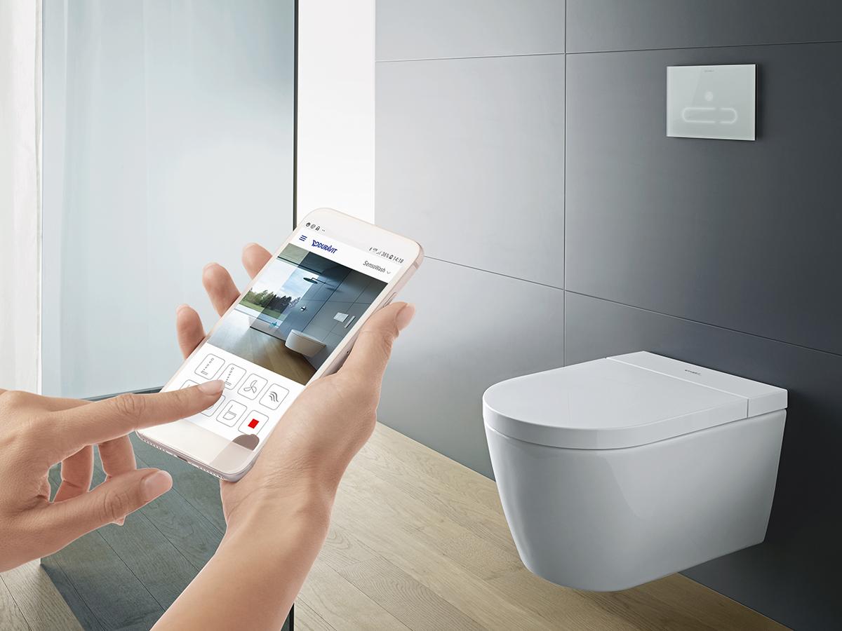 Унитаз, управляемый со смартфона