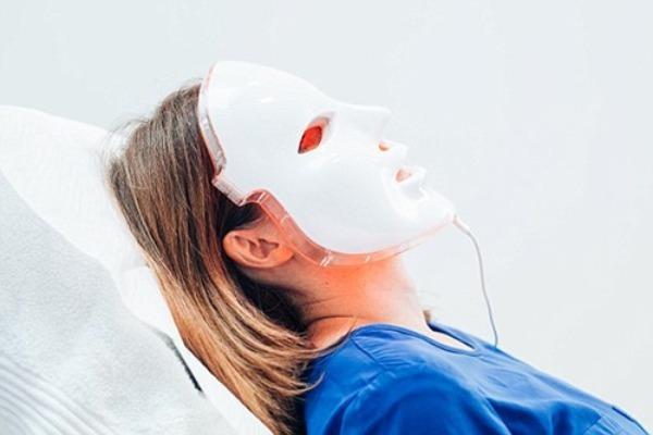 LED-маска против угревой сыпи