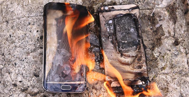 Смартфон горит