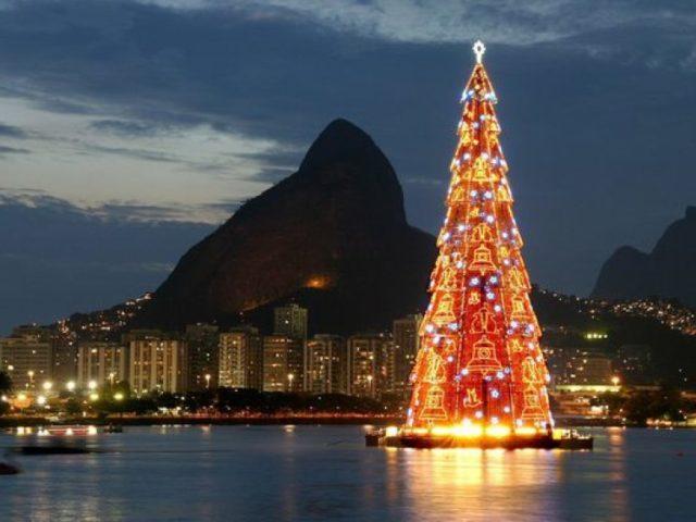 Новогодняя елка в Рио