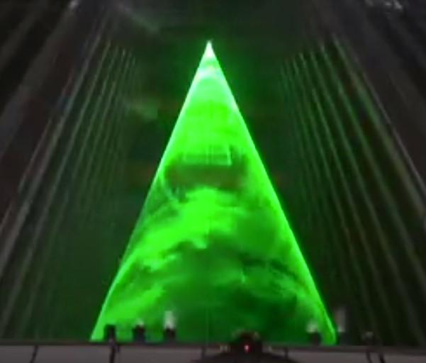 Новогодняя елка в Токио