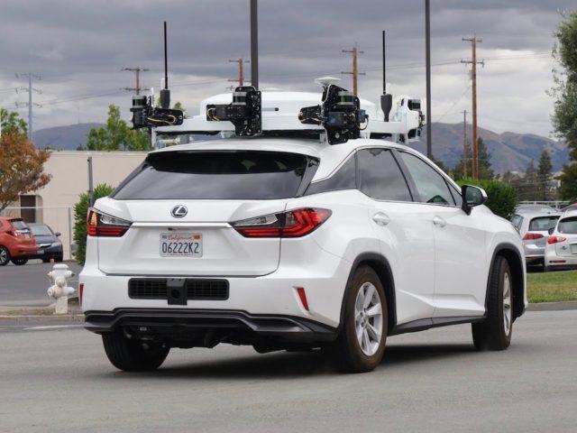 Lexus с системой автопилотирования от Apple
