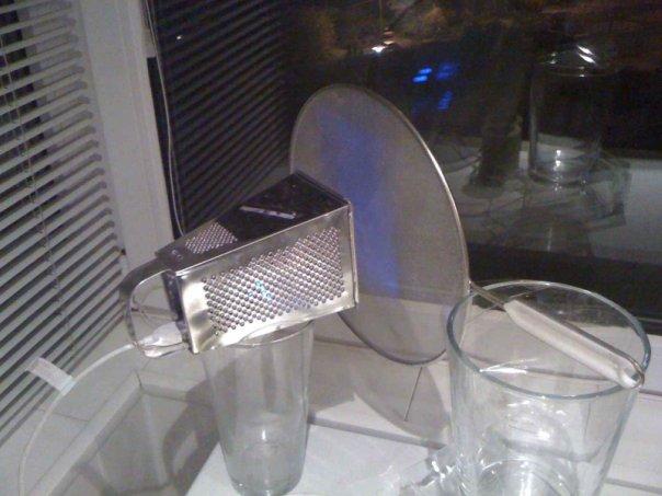 Конструкция из 3G-модема из терки с ситом