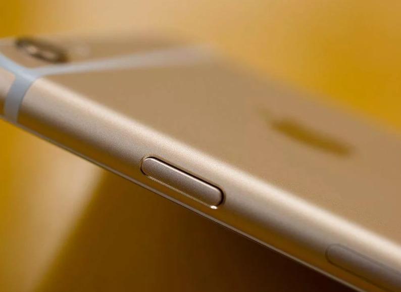 Почему не работает кнопка блокировки на Iphone