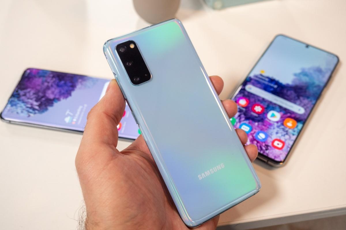 Samsung Galaxy S20 FE-10