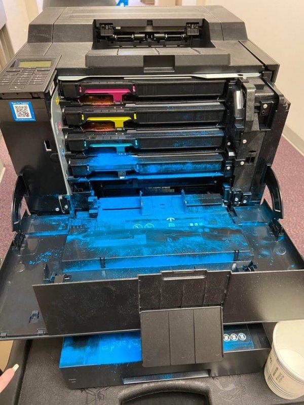 Принтер с потекшими красками