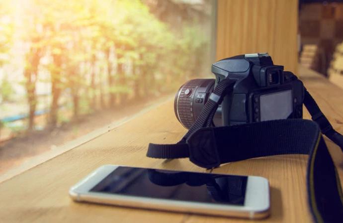 Смартфон и фотоаппарат