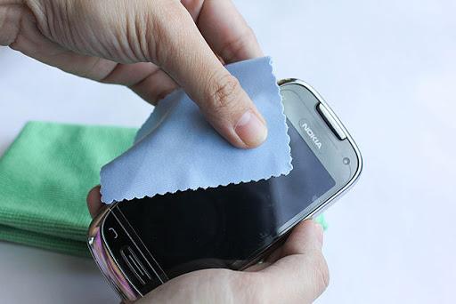Ручная полировка мобильного устройства