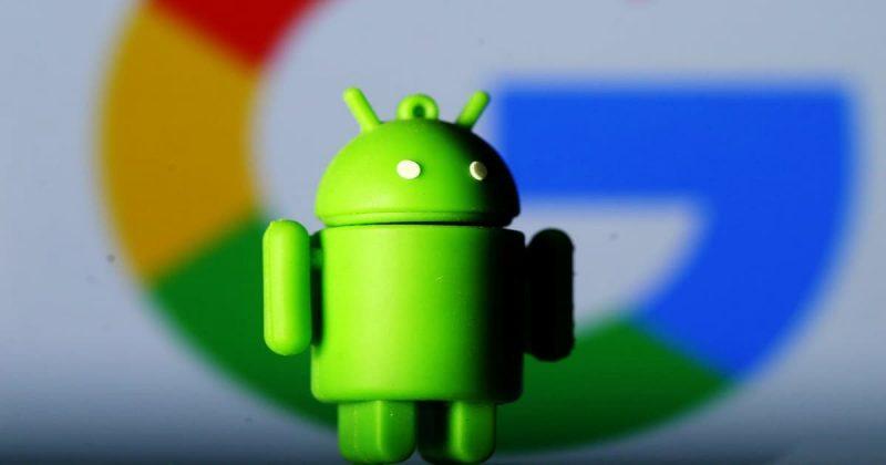 Человечек-Android на фоне Google