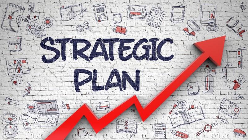 Красная стрелка вверх под надписью Strategic Plan