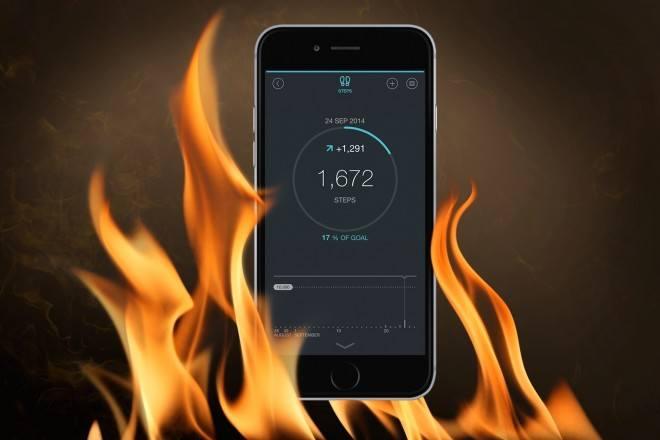 Телефон в языках пламени