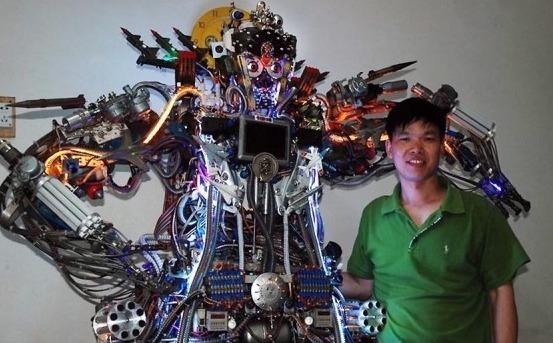Робот из хлама и его создатель