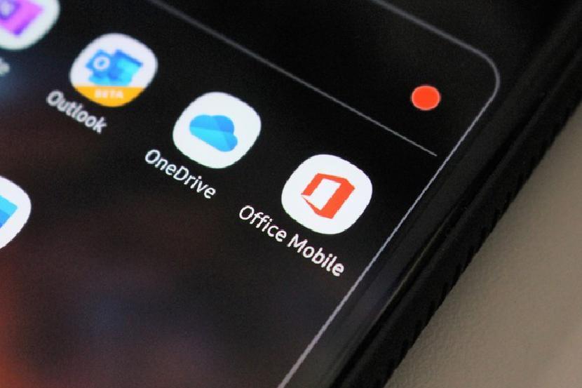 Приложения на рабочем столе смартфона