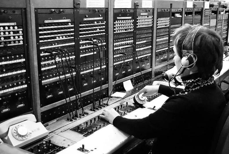 Советская телефонистка на рабочем месте
