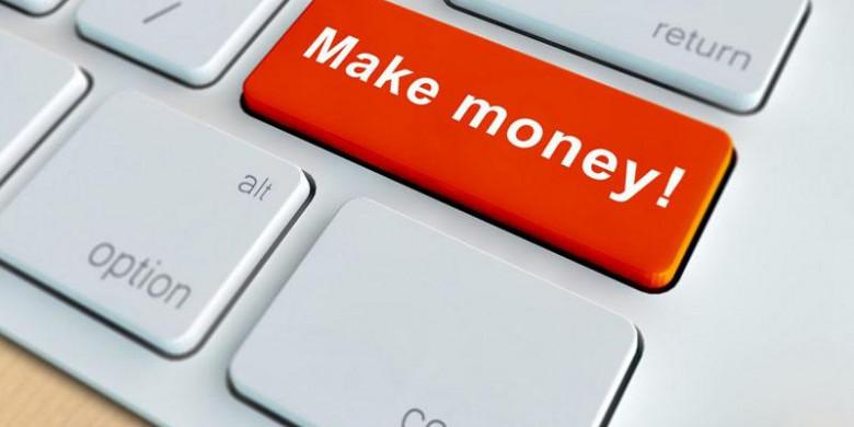 Красная клавиша Make money! на клавиатуре