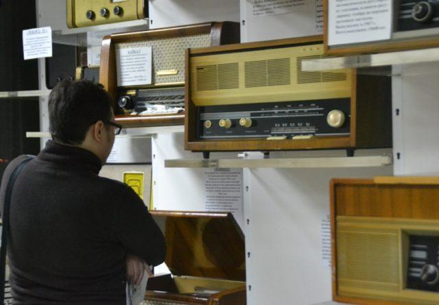 """Посетитель музея радиотехники """"Вега"""""""