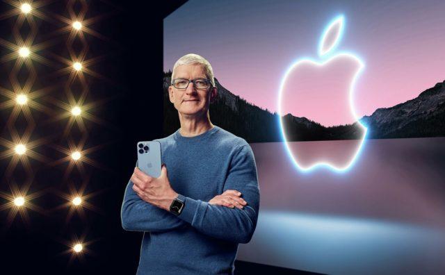 Тим Кук на презентации 13-го iPhone